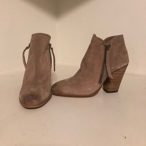 Dolce Vita booties with double zipper